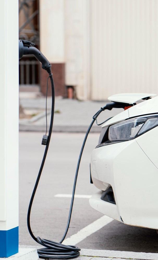 voiture électrique chinoise en charge